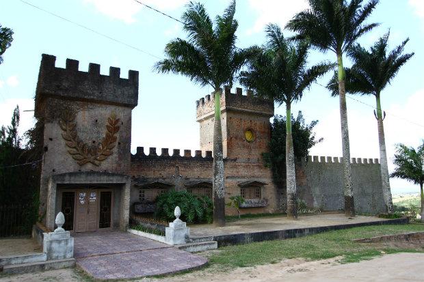 O castelo fica no bairro de São José, em Garanhuns, e se tornou um ponto conhecido no Agreste. Foto: Paulo Paiva/DP.
