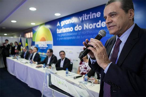 O ministro do Turismo, Henrique Eduardo Alves, afirmou que faltam incentivos para o setor. Foto: Tom Cabral/Divulgação