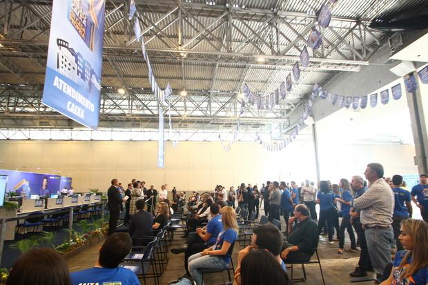 Neste ano, 215 trabalhadores da Caixa foram recrutados para atender o  público. Expectativa é receber 20 mil pessoas nos três dias de evento. Foto: Paulo Paiva/DP