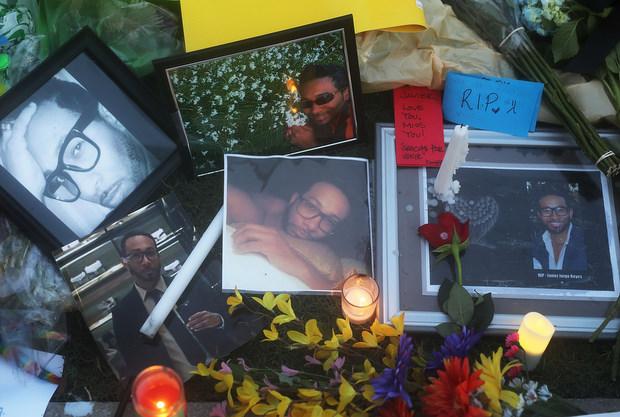 Familiares de 49 pessoas mortas por Omar Mateen fazem homenagem