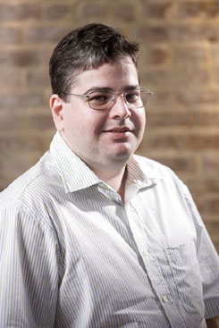 Fernando Dias é professor do Departamento de Economia da UFPE   (Tiago Lubambo/Divulgação)