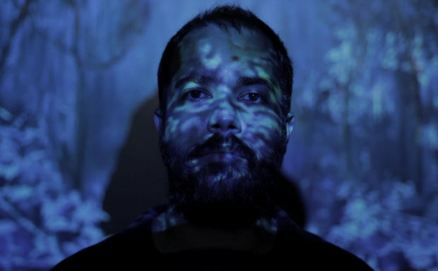 Artista plástico Bruno Vilela estará no primeiro episódio. Foto: Arte 1/Divulgação