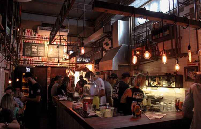Moradores do bairro Vila Buarque recuperaram a área e abriram bares, restaurantes, cafés, galerias e lojas. Foto: Alekis B/Flickr