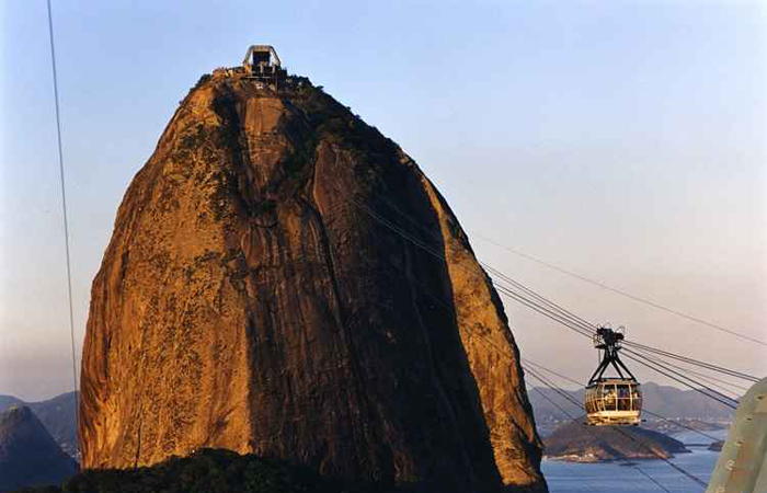 O bondinho do Pão de Açúcar, no Rio de Janeiro, liga o morro da Urca ao Pão de Açúcar e transporta cerca de 2.500 pessoas por dia. Foto: Zuleika de Souza/CB/D.A. Press