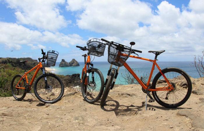 Nesta sexta-feira serão entregues as 400 primeiras bicicletas aos moradores da ilha. Foto: Divulgação