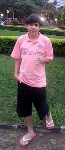 Diego foi visto pela última vez trajando uma camiseta cinza e um short vermelho. Foto: Acervo de Família/Reprodução