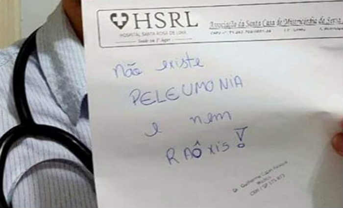 Médico zomba de pobre e sem estudo na web: 'Não existe peleumonia'