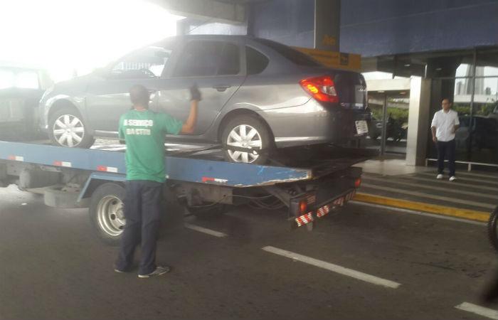 Veículo foi rebocado. Foto: Reprodução/ WhatsApp