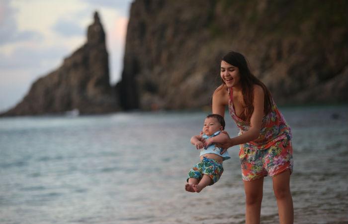 Habitante mais jovem da ilha é filho da estudante Marina Ferreira Campos Sampaio. Foto: Teresa Maia/ DP