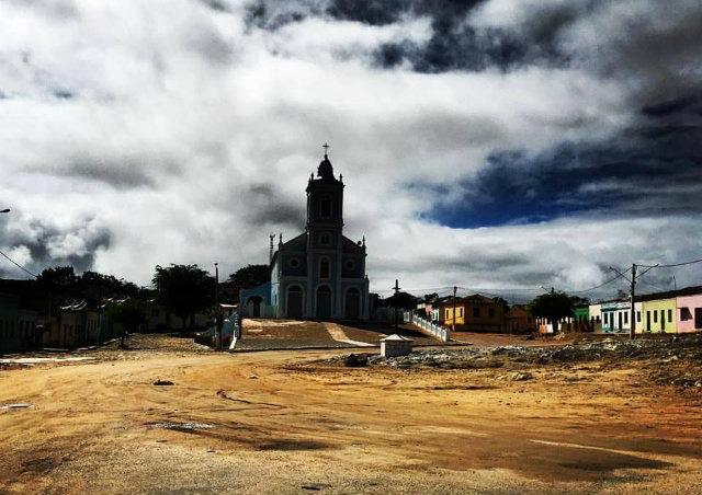 Distrito de Cimbres servirá para locações do longa-metragem. Foto: Netflix/Divulgação
