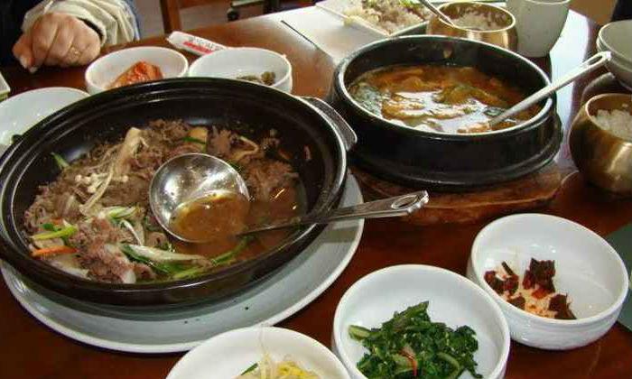 Bem apimentada, a culinária coreana costuma ser acompanhada pelo kimshi, acelga fermentada. Foto: Ana Clara Brant/CB/D.A. Press
