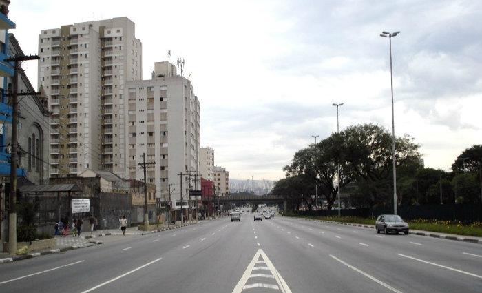 Avenida Santos Dumont, no Bom Retiro, distrito onde ocorreu o crime. Foto: Laciportbus/Wikimedia/Reprodu