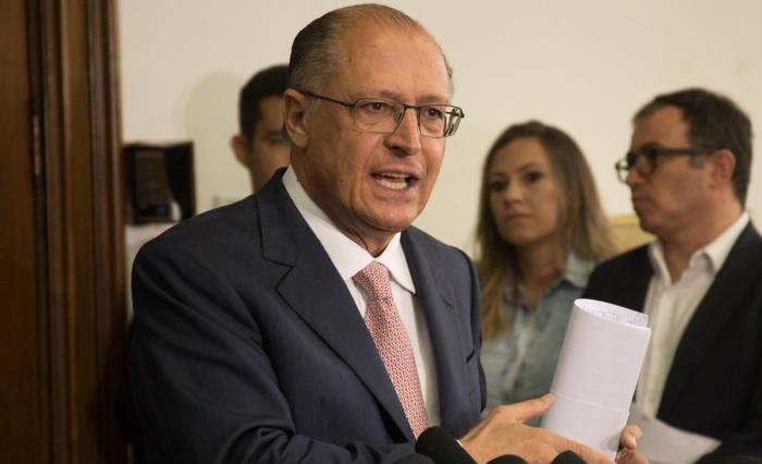 O governador cutucou o ex-presidente, ao dizer que todos devem prestar contas