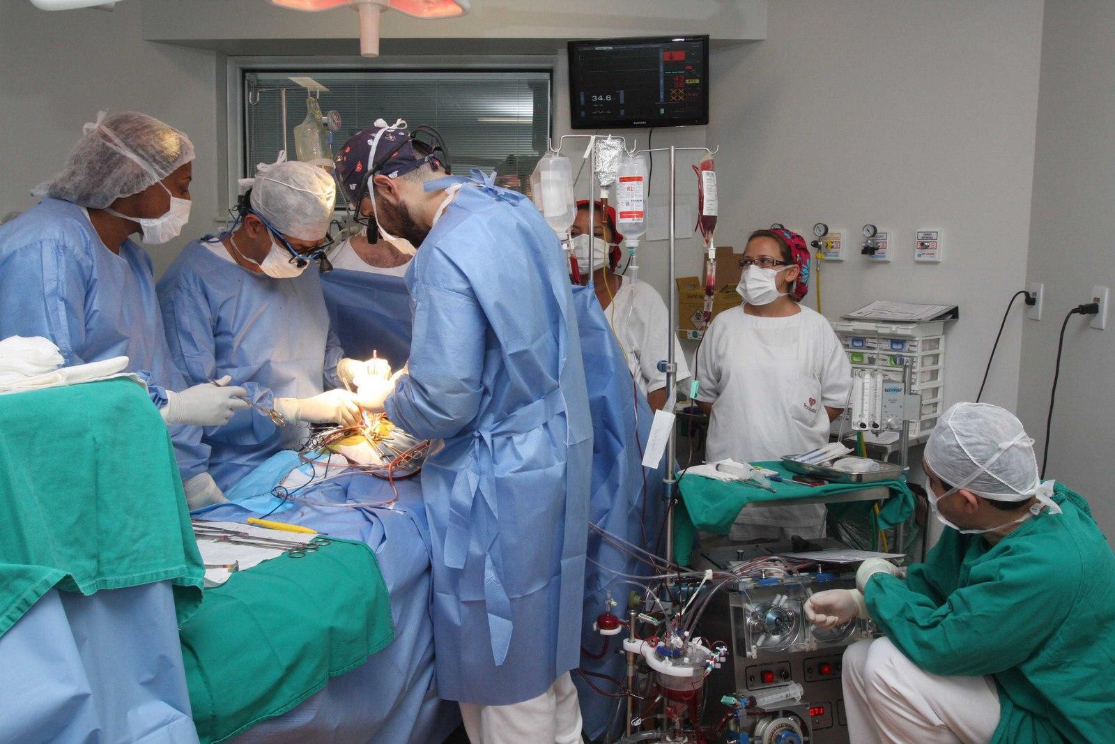 Estima-se que mais de 2,3 mil pessoas morreram à espera de um transplante de órgão no Brasil no ano passado. Foto: Rogério Santana/ GERJ
