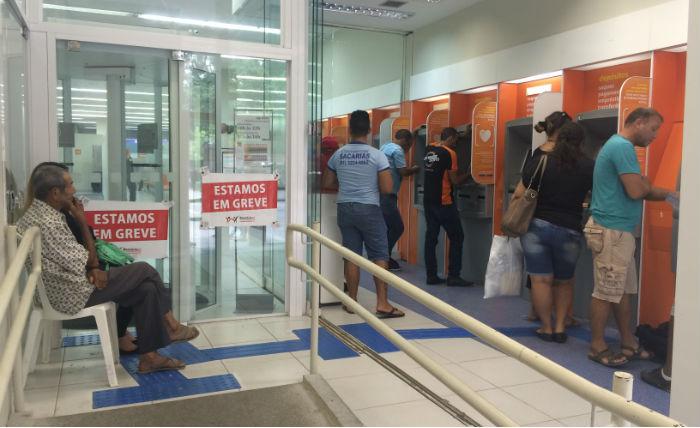 Em todo o país, 13.358 agências bancárias tiveram suas atividades paralisadas. Foto: Maira Baracho/DP