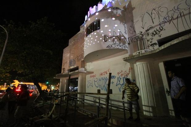 Cine Olinda foi ocupado na noite de sexta-feira. Foto: Roberto Ramos/DP