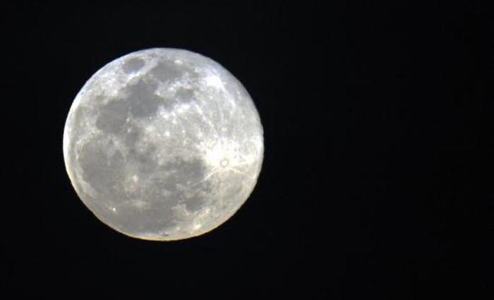 Até o fim de 2016, todas as luas cheias - que ocorrerão nos dias 16 de outubro, 14 de novembro e 14 de dezembro - serão superluas. Foto: Marcello Casal Jr/Agência Brasil
