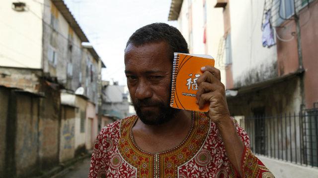 Miró lança livro em Recife nesta sexta-feira. Foto: Blenda Souto Maior/DP