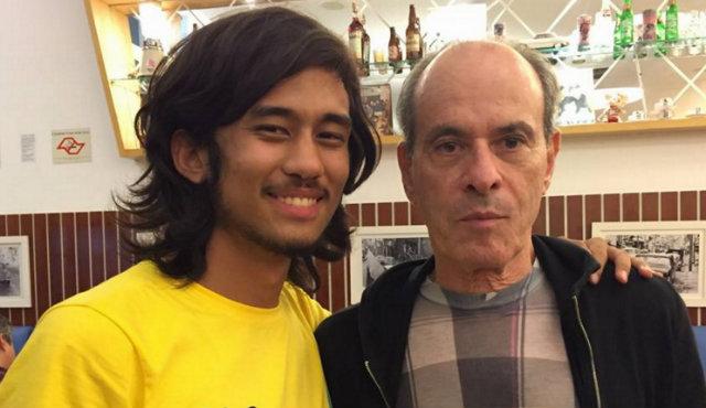 """""""Depois da manifestação de ontem, encontrei um grande ídolo e defensor do impeachment: Ney Matogrosso"""", diz a legenda da foto postada em dezembro de 2015. Foto: Facebook/Reprodução"""