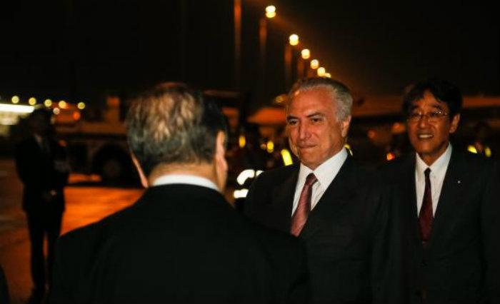 Tóquio (Japão) - O presidente Michel Temer cumprimenta o ex-embaixador do Brasil no Japão, Kunio Umeda. Foto: Beto Barata/PR