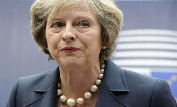 Primeira-ministra britânica apela a resposta unida da UE contra a Rússia