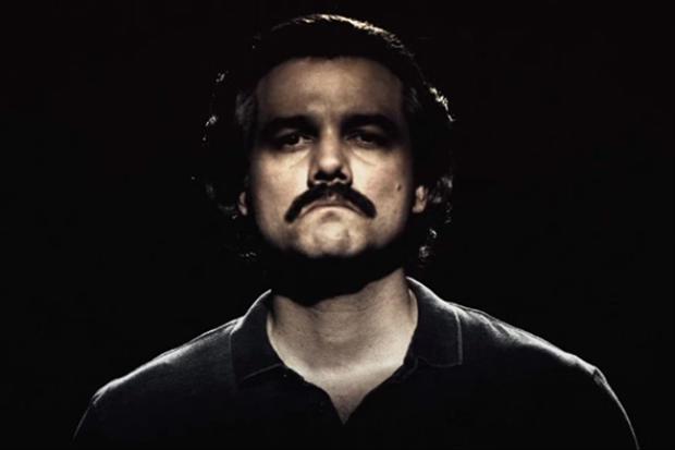 Assessoria de Moura, na pele de Pablo Escobar, em Narcos, negou convite ao ator para série produzida por José Padilha, sobre a Operação Lava jato. Foto: Reprodução/Facebook