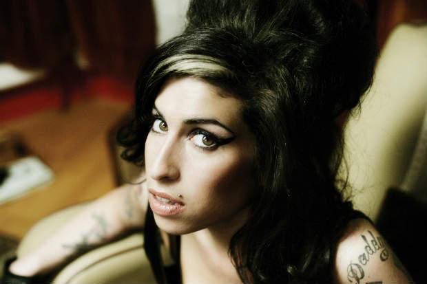 Disco de Winehouse se tornou o segundo mais vendido do século 21, apesar de não ter nenhum single no topo das paradas britânicas . Foto: Mondo Entretenimento/Divulgacao