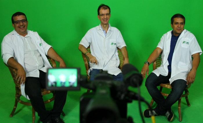 Professores Valdemir Freire, Edson Rocha e Flavio Carmo comentam as provas. Foto: Peu Ricardo/DP.