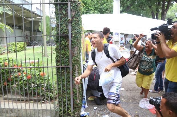 Na Unicap, um dos principais locais de prova, correria nos últimos minutos. Foto: Anderson Freire/Esp.DP.