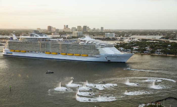Na última semana, o gigante partiu de Fort Lauderdale, na Flórida, para sua viagem inaugural por águas caribenhas.  Foto: Royal Caribbean/Divulgação
