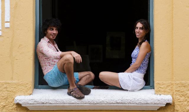 Habib Zahra, à esquerda, e Valeria Rey Soto começaram a trabalhar com literatura infantojuvenil em 2012. Foto: Marina Mahmood/Reprodução