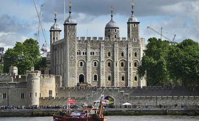 Torre de Londres já foi zoológico, prisão e casa da moeda, mas hoje guarda as jóias da coroa britânica e é Patrimônio Mundial da Unesco. Foto: Ben Stansall/AFP (Torre de Londres já foi zoológico, prisão e casa da moeda, mas hoje guarda as jóias da coroa britânica e é Patrimônio Mundial da Unesco. Foto: Ben Stansall/AFP)