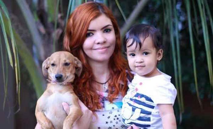 Amina Freitas presenteou a pequena Anya com a adorável vira-lata Diana. Foto: Arquivo Pessoal