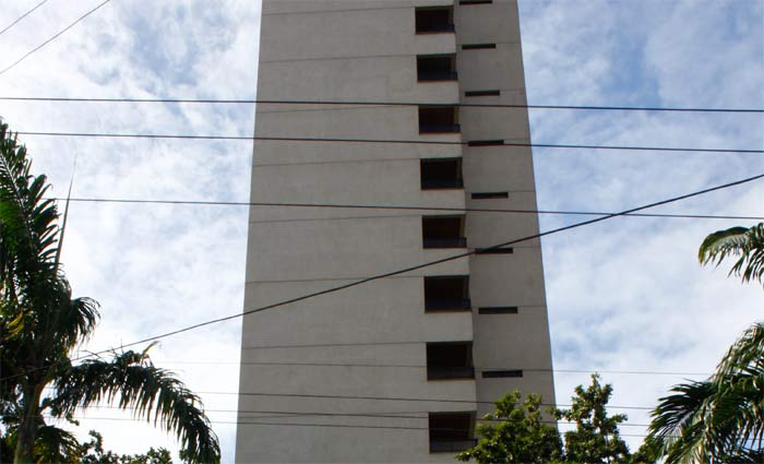 A Prefeitura do Recife explica que trata-se de uma equiparação para imóveis que tiveram reajuste de base de cálculo travado na época da gestão João da Costa. Foto: Paulo Paiva/DP
