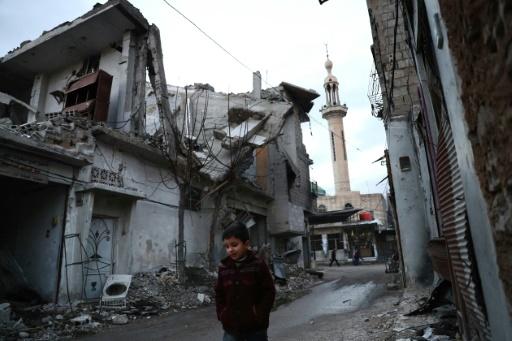 Os dois grupos extremistas islâmicos na Síria, Fateh al-Sham e Estado Islâmico (EI), estão excluídos do acordo de trégua patrocinado por Ancara e Moscou. AFP Abd Doumany