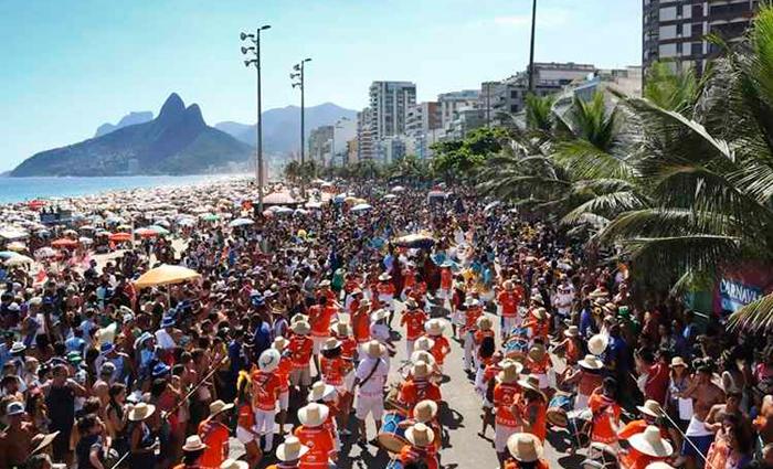 Mais do que os desfiles das escolas de samba, o Rio de Janeiro ferve por causa dos blocos de rua. Foto: Hudson Pontes/RioTur