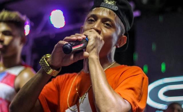 MC pernambucano ganhou destaque com canções como Balança, Vai descendo e Bumbum no ar. Foto: Facebook/Reprodução
