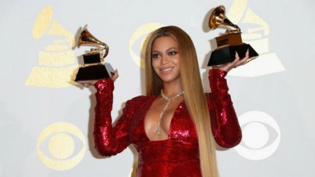 Beyoncé leva dois prêmios para casa no 59º Grammy Awards. Foto: Getty Images