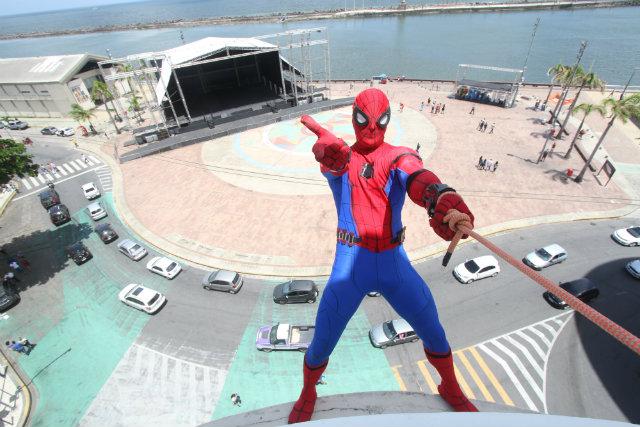 Homem-Aranha de Olinda usará fantasia nova que custou US$ 2 mil. Foto: Nando Chiappetta/DP
