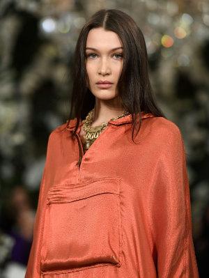 69a1b59a8d1c1 A modelo Bella Hadid durante desfile da Ralph Lauren na New York Fashion  Week