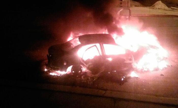 Quadrilha ateou fogo em veículos, realizou vários disparos de grosso calibre e explosões. Foto: Reprodução/ Facebook