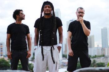 Devotos relembra o início da carreira com shows no Alto José do Pinho e na Várzea. Foto: Aline Sales/Divulgação
