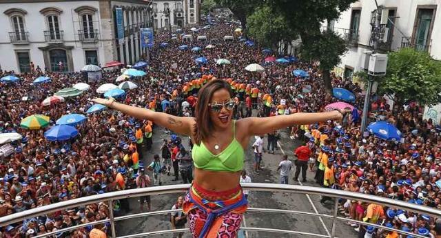 Anitta comandou Bloco das Poderosas - Foto: Fábio Motta