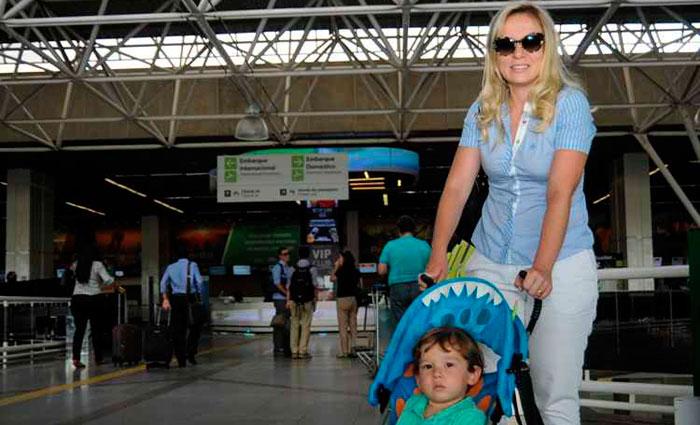 Fabiane Gontijo viaja com o filho desde que ele tinha três meses. Foto: Bárbara Cabral/Esp. CB/D.A. Press