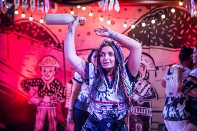 A sister Elettra Lamborghini participa da versão espanhola do reality show. Foto: Globo/Divulgação
