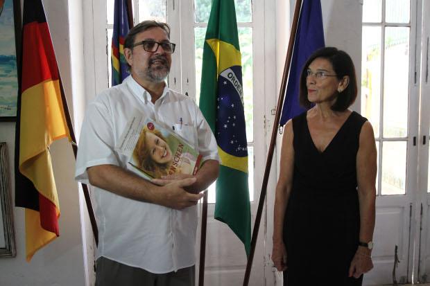 Programação foi apresentada pelo diretor do Centro Cultural Brasil-Alemanha, Christoph Ostendorf, e pela cônsul-geral da Alemanha no Recife, Maria Könning-de Siqueira Regueira. Foto: Julio Jacobina/DP.