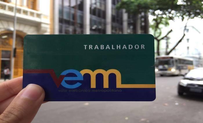 Desde segunda-feira  o pagamento da passagem em alguns coletivos não é feito mais em dinheiro; só por meio do cartão VEM.Foto: Luiza Bessa/Esp.DP