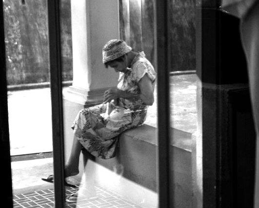 A idosa diz que, com a má qualidade do sono, acaba ficando indisposta no dia seguinte. Foto: Rodrigo Moraes/Flickr/Reprodução