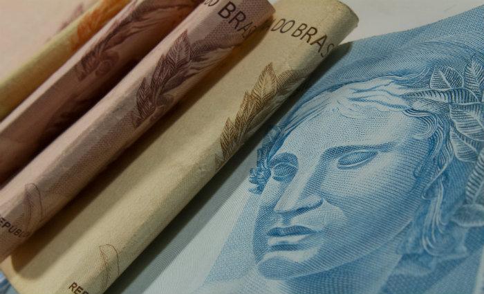 Reajuste é 4,48% maior que o salário mínimo atual. Foto: Marcos Santos/USP Imagens