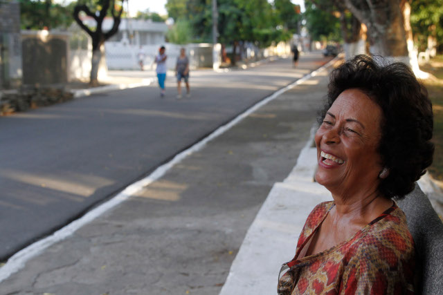 Luci Machado é uma das integrantes do Movimento em Defesa da Mata do Engenho Uchôa, que existe há três décadas. Crédito: Ricardo Fernandes/DP (Crédito: Ricardo Fernandes/DP)